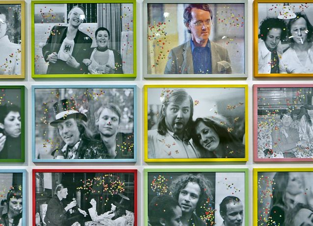Kinder des Olymp, 1974-77 (Confetti-Version 2015) 96 Inkjet-prints on cardboard-paper each 50 x 70 cm, in different coloured frames each Edition of 4
