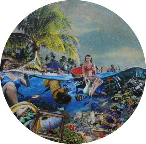 David Mach. Fruits de Mer, photograph and collage on board, diameter 36.25, 101 cm, 2017