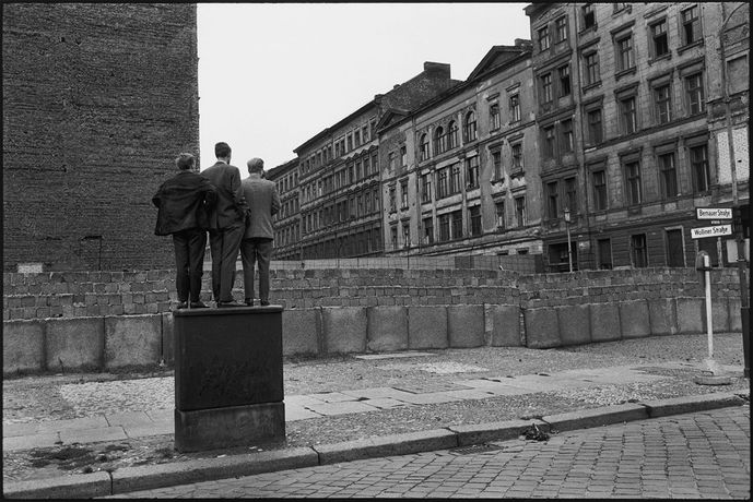 L'EUROPE AUTREMENT ! - Exposition de photographies de Henri Cartier-Bresson, Nico Bick et Otto Snoek: Image 0