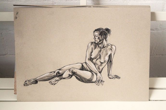 Life Drawing Session: Image 3