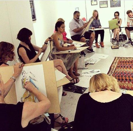 Life drawing workshop Drink & Draw: Image 2