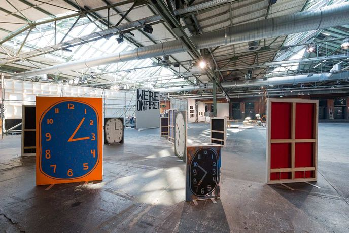 Luc Fuller: Standing Clock Paintings - ABC Berlin: Image 0