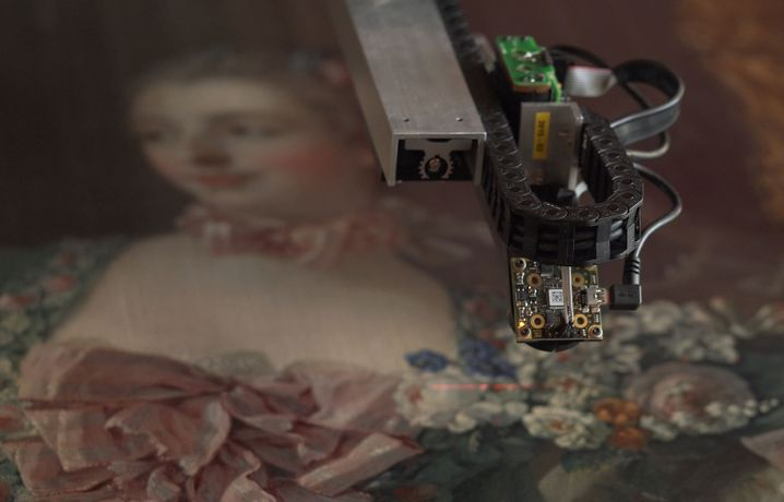 The Lucida 3D Scanner recording the surface of the painting. Photo© Óscar Parasiego for Factum Foundation