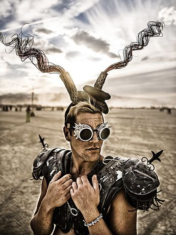 Marek Musil: DAST and LIGHT. THE Burning Man Collection: Image 0
