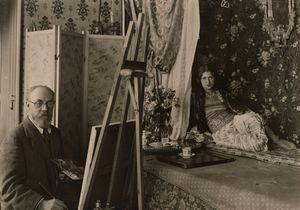 Photograph of Matisse painting the model Zita at 1 Place Charles-Félix, Nice, 1928. Photograph by unidentified photographer. Photo: Archives H. Matisse, © Succession H. Matisse/DACS 2017. Exhibition organised by the Royal Academy of Arts, London, and the Museum of Fine Arts, Boston, in partnership with the Musée Matisse, Nice.