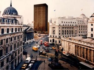 Mies van der Rohe & James Stirling: Circling the Square