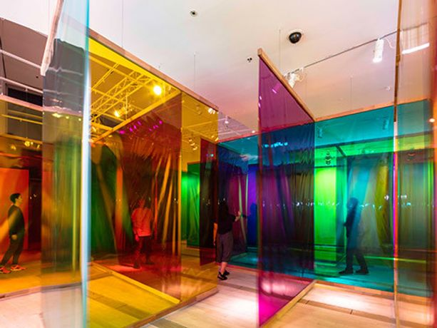Olafur Eliasson, Seu corpo da obra (Your body of work) 2011 Installation view: Moderna Museet, Stockholm 2015 Photo: Anders Sune Berg