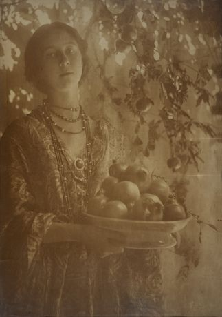 Pomegranates, circa 1910  © The Estate of Minna Keene / courtesy Stephen Bulger Gallery