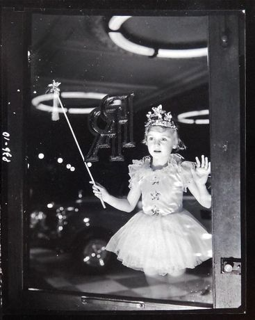 Norman Parkinson, Fairy and Wand Rolls Royce