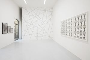 Sol LeWitt and Ignacio Uriarte, Muro e Parete, installation view at Galleria Gentili, Florence, 2017. Courtesy the artists and Galleria Gentili, Florence. Photo by Jacopo Menzani