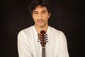 Music in the Circle: Plucked Strings with Avi Avital