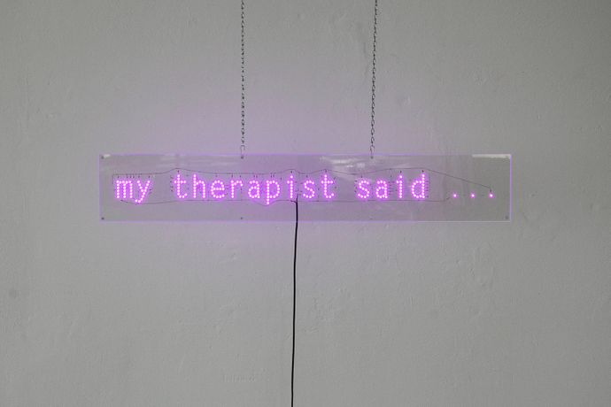 Katharina Arndt, my therapist said..., 2018, LEDs, acrylic glass, resistors, power supply, chains,  20 x 120 cm