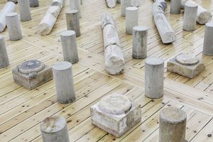 16 marble and sandstone columns, 19 marble and sandstone bases, 292 concrete cylinders