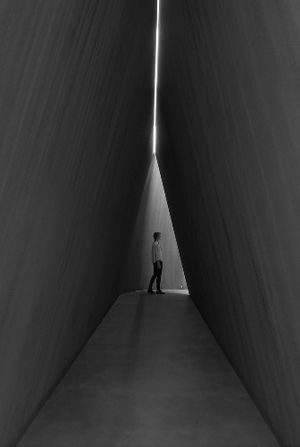 Richard Serra Nj-2, Rounds: Equal Weight, Unequal Measure, Rotate