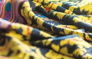 Striking Patterns. Global Traces in local Ikat Fashion Design