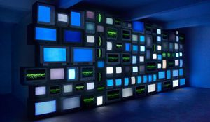 Susan Hiller, Channels, 2013. Multi-channel video installation, 106 television sets ,9 media players, 7 dvd players, signal splitters. Courtesy of the artist.