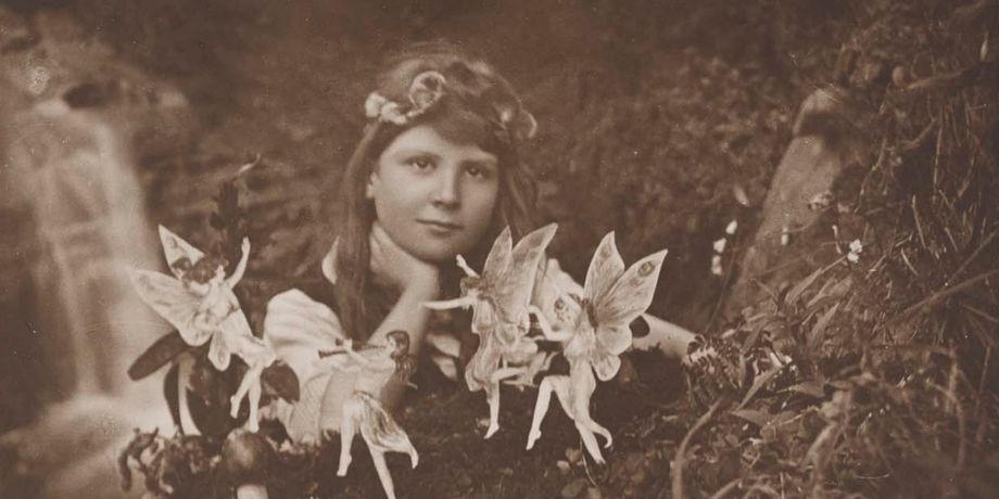 BC MS Cottingley Fairies/6/10, Frances and the fairies. Image credit Leeds University Library.