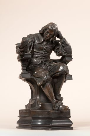 Sculpture of Sir Thomas Browne by Henry Pegram (c) Royal College of Physicians