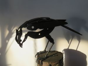 Helen Denerly, Hawk, scrap metal H 25 cm