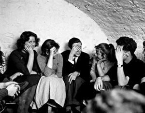 young people in the Partisan basement © Roger Mayne Archive / Mary Evans Picture Library