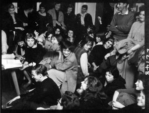 Event in the Partisan Coffee House © Roger Mayne Archive / Mary Evans Picture Library