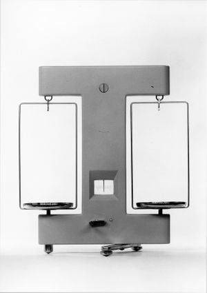 Precision balance. Student: Gerda Müller-Krauspe, Instructors: Hans Gugelot, Walter Zeischegg and Georg Leowald. Department: Product Design, 1959-60. Photo by Wolfgang Siol. Courtesy HfG-Archiv / Ulmer Museum