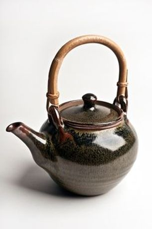 Ray Finch, Teapot, acquired 1970s