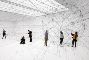 Exhibition view: Tomás Saraceno, Algo-r(h)i(y)thms, Esther Schipper, Berlin, 2019. Courtesy the artist and Esther Schipper, Berlin. Photo © Andrea Rossetti
