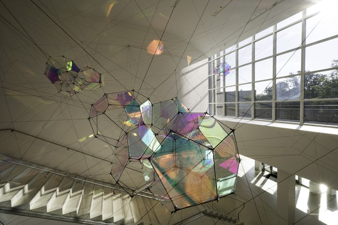 Tomás Saraceno. Entangled Orbits. 2017. Metal, polyester rope, iridescent plexiglass. Courtesy the artist and Tanya Bonakdar Gallery, New York; Esther Schipper, Berlin; Pinksummer Contemporary, Genoa; Andersen's Contemporary, Copenhagen; Ruth Benzacar, Buenos Aires.