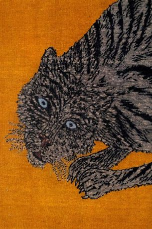 (Detail of) Kiki Smith. Pounce. 105x203cm. Hand-knotted, hand-dyed hand-spun natural wool. TOMORROW'S TIGERS 2018. Image © Dan Fontanelli. Courtesy the Artist and Timothy Taylor Gallery LondonNY. Image © Dan Fontanelli.