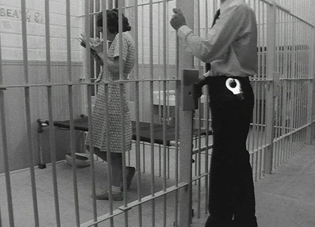 Tony Conrad, Women In Prison (still), 1982. © Tony Conrad. Courtesy the artist and Greene Naftali Gallery, New York.