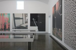 Wade Guyton, Installation view, 'Das New Yorker Atelier, Abridged' Serpentine Gallery, London (29 September 2017 - 4 February 2018) Courtesy of the artist. Photo: James Campbell