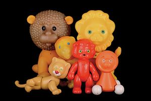 ZOO MOCKBA   Toy Animals from the Soviet Union – 1950 to 1980  The Köpcke & Weinhold Collection