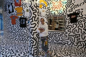 Keith Haring, Pop Shop, 1986. Keith Haring Foundation Photo by Tseng Kwong Chi , 1986, Muna Tseng Dance Projects, Inc., New York